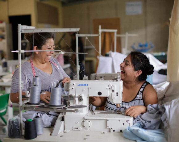 Guatemala: Couture, sérigraphie et création de bijoux
